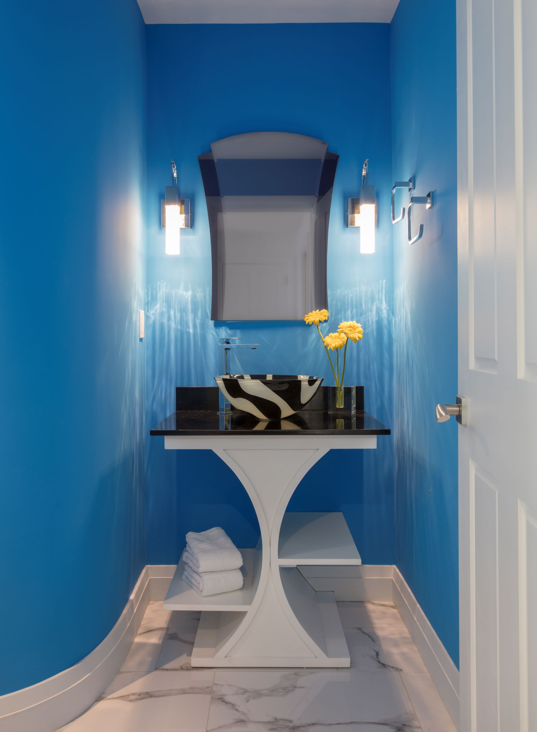 Watson Dramatic bathroom - resize